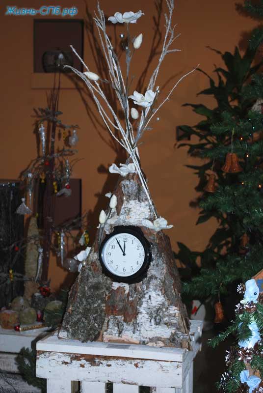 Новогодняя поделка часы