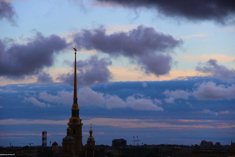 Белые ночи над Петропавловской крепостью