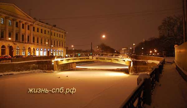 Река Мойка, Театральный мост