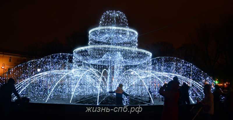 Новогодний Александровский сад