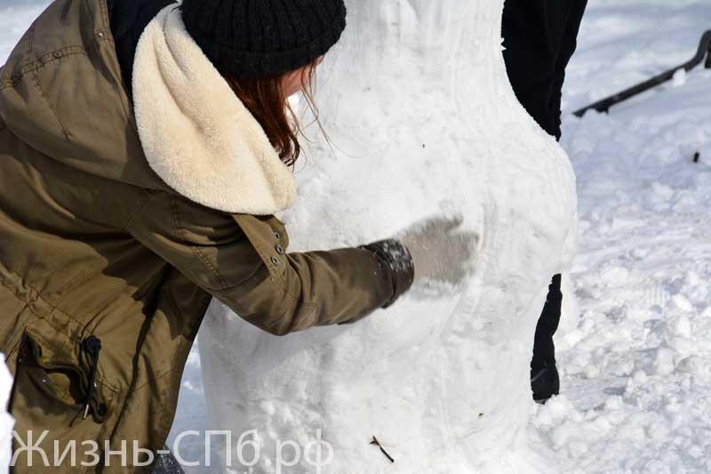 Лепка снежной бабы