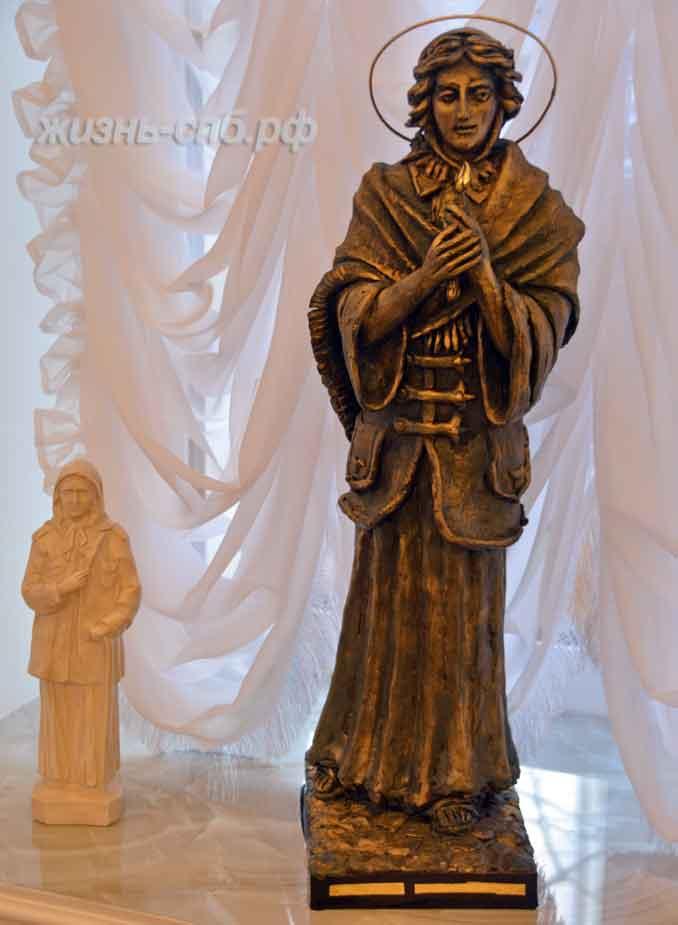 Скульптура святой Ксении в музее около Смоленского кладбища на улице Камской, дом 2