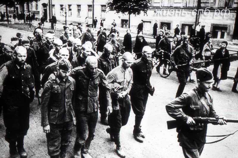 Отвоевались. старый фото архив Ленинграда в дни войны