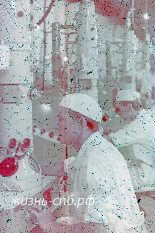 Украинская ССР. Сумы. На заводе электронных микроскопов.