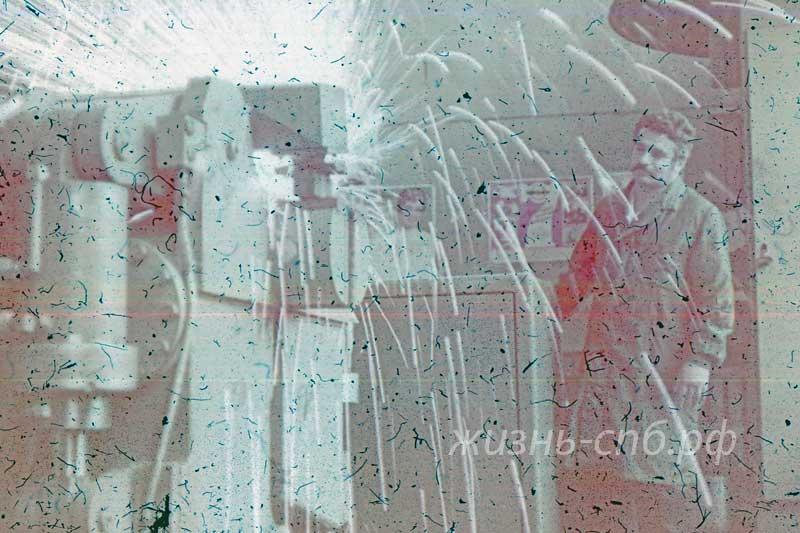 Украинская ССР. Киев. В Институте элекеросварки им. Е.О. Патона на архивных фотографиях