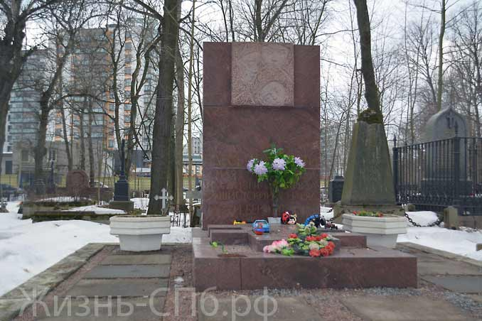 Памятник погибшим детям на Лютеранском кладбище