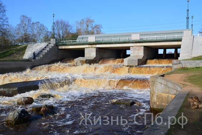 Перекат Мост на улице Мосина