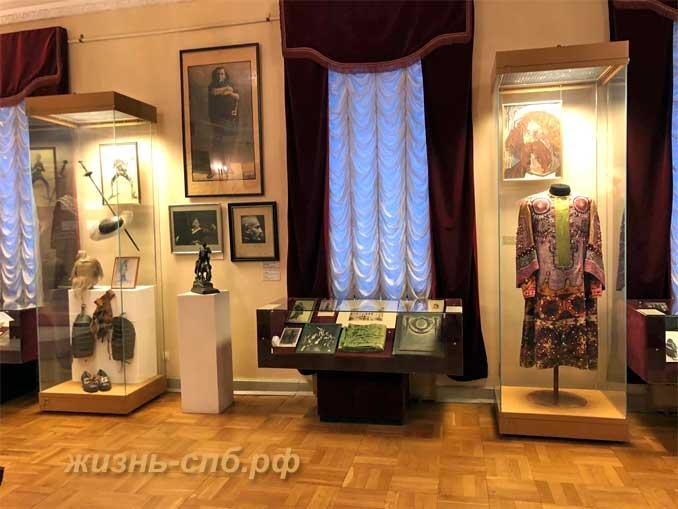Экспозиции в музей-квартире Фёдора Ивановича Шаляпина